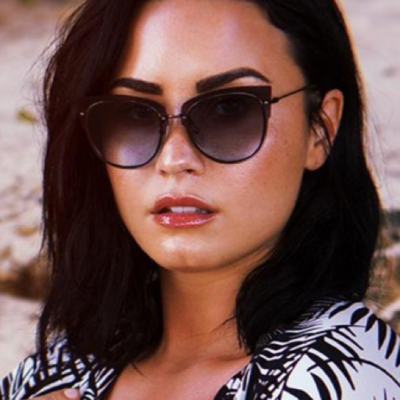 b3f6c05984 Diff Demi Lovato Gunmetal Grey Frame Blue Lens
